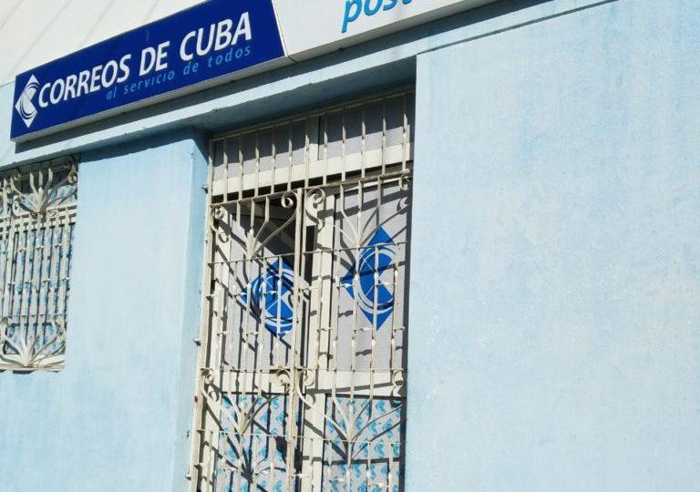 Correos afirma que el 90% de los envíos a Cuba contienen alimentos y aseo